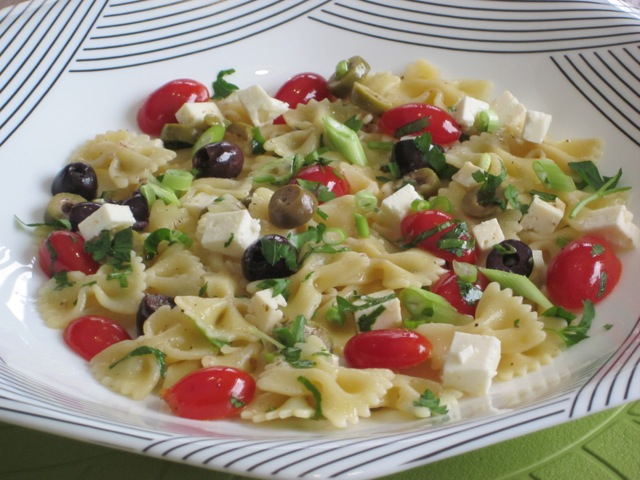 Farfalle with Cherry Tomatoes and Feta myfavouriteptasime.com_0741