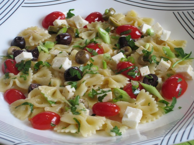 Farfalle with Cherry Tomatoes and Feta myfavouriteptasime.com_1534