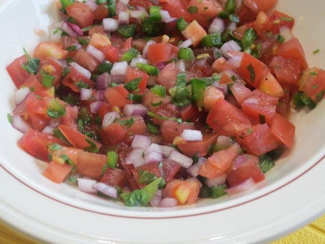 Fresh Tomato Salsa myfavouritepastime.com_1503