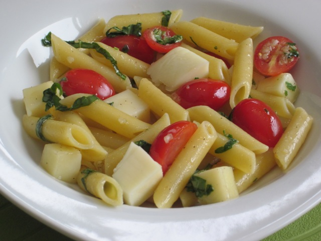 Penne with Tomatoes and Mozzarella myfavouritepastime.com_0749