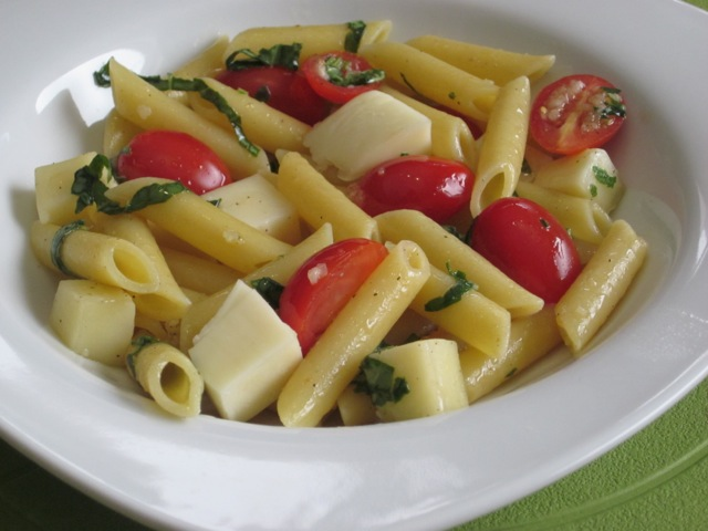 Penne with Tomatoes and Mozzarella myfavouritepastime.com_0750
