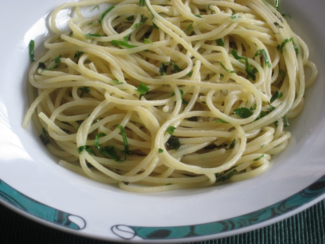 Spaghettini with Butter and Herb Sauce myfavouritepastime.com_1431