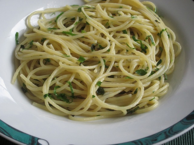 Spaghettini with Butter and Herb Sauce myfavouritepastime.com_1434