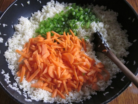 Basmati Rice with Carrot and Peas myfavouritepastime.com_1963