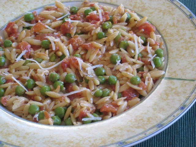 Orzo with Tomato and Peas myfavouritepastime.com_1655