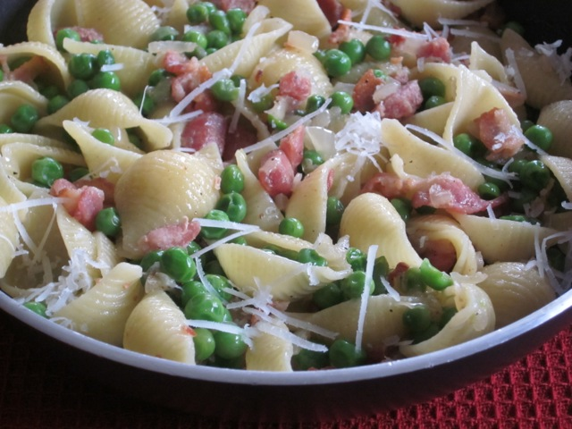 Pasta with Bacon and Peas myfavouritepastime.com_1570