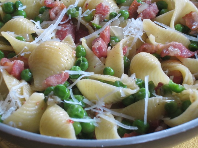 Pasta with Bacon and Peas myfavouritepastime.com_1804