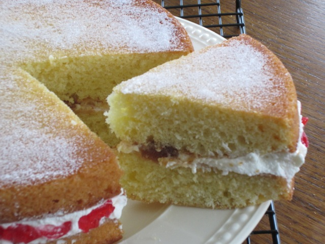 Victoria Sandwich myfavouritepastime.com_1429