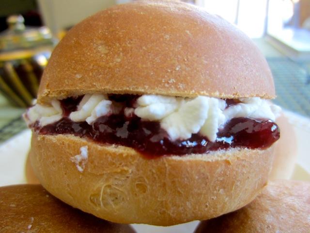 Cream Buns myfavouritepastime.com_1207