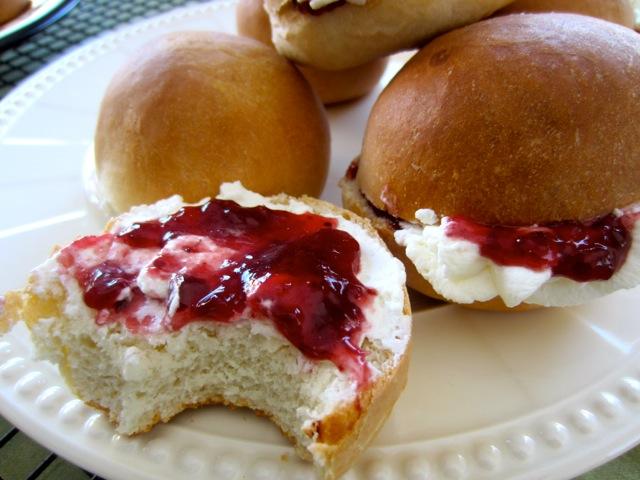Cream Buns myfavouritepastime.com_1209