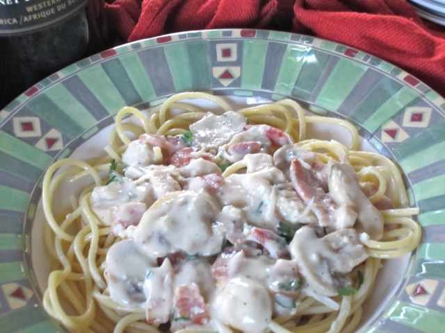 Fettuccine with Chicken and Mushroom Sauce myfavouritepastime.com_2687
