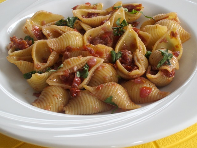Pasta with Sun-dried Tomatoes and Red Wine myfavouritepastime.com_1512