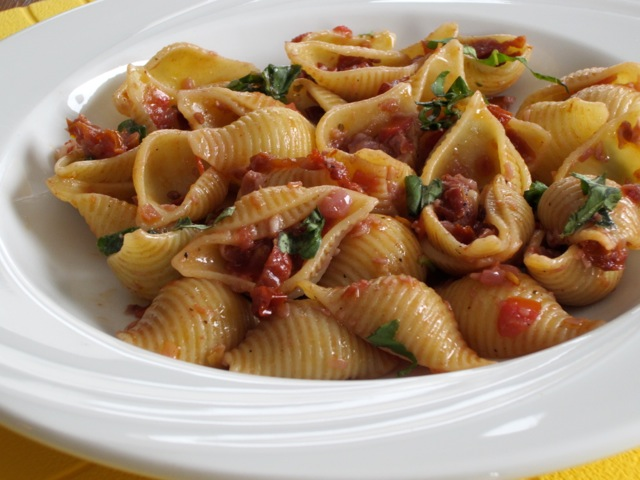 Pasta with Sun-dried Tomatoes and Red Wine myfavouritepastime.com_1513