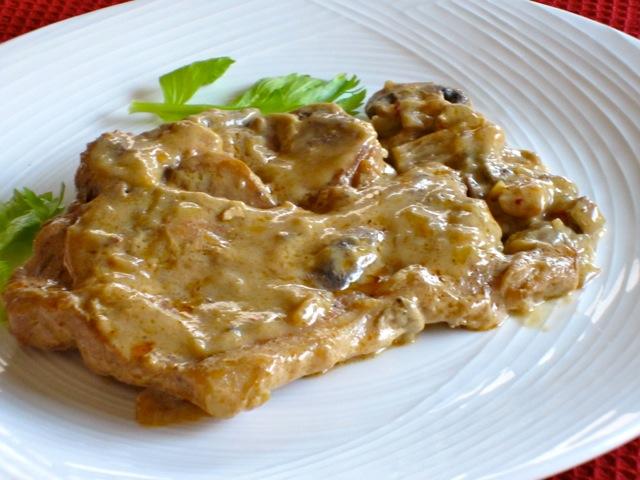 Pork Chops with Creamy Mushroom Sauce myfavouritpastime.com_2151_2