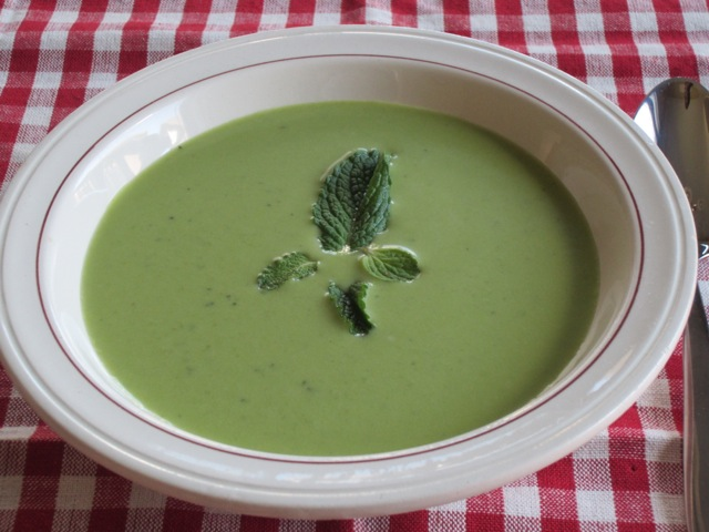 Sweet pea and Mint Soup myfavouritepastime.com_2450