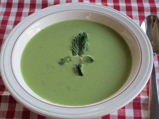 Sweet pea and Mint Soup myfavouritepastime.com_2461
