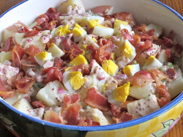 Combine potatoes, bacon and eggs in a large bowl and toss to combine ...