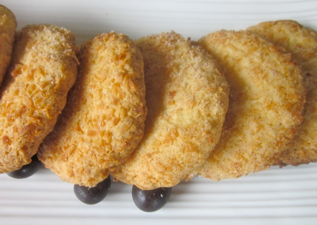 Crisp Coconut Biscuits myfavouritepastime.com_0132