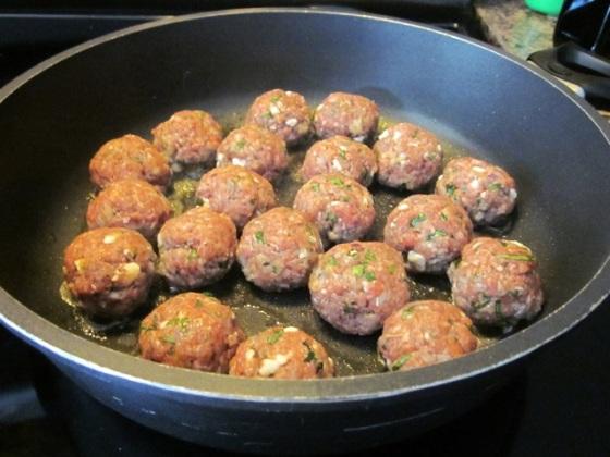 Greek Style Meatballs myfavouritepastime.com_3917