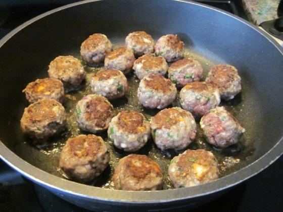 Greek Style Meatballs myfavouritepastime.com_3918