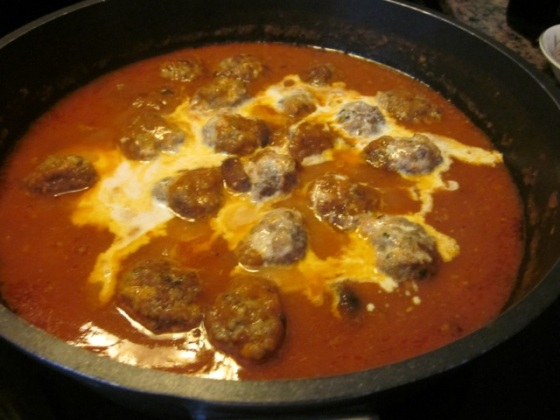 Greek Style Meatballs myfavouritepastime.com_3934