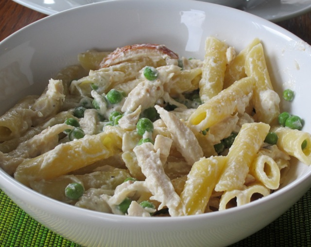 Pasta with Chicken Peas and Sour Cream myfavouritepastime.com_2825