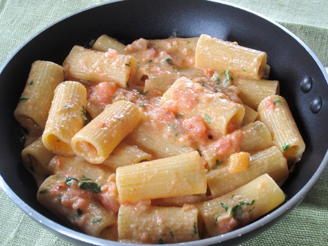 Pasta in Creamy Tomato Mascarpone Sauce myravouritepastime.com_2733