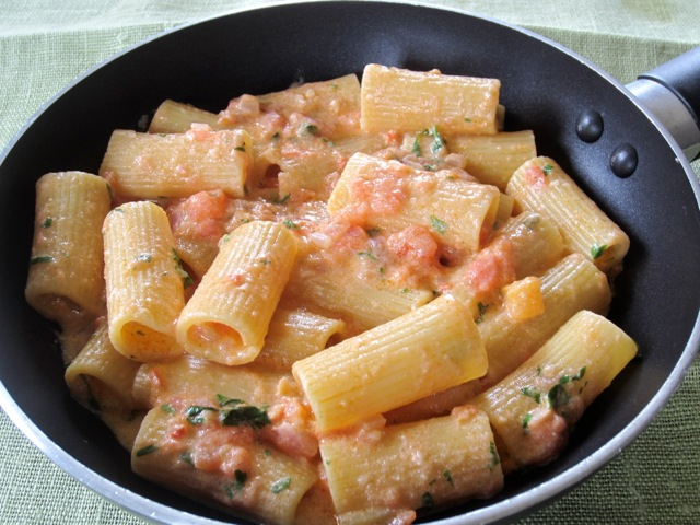 Pasta in Creamy Tomato Mascarpone Sauce myravouritepastime.com_2738