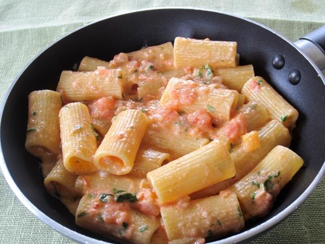 Pasta in Creamy Tomato Mascarpone Sauce myravouritepastime.com_2740