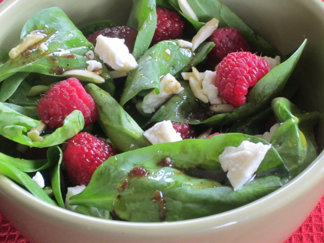 Spinach Raspberry and almond salad myfavouritepastime.com_2273