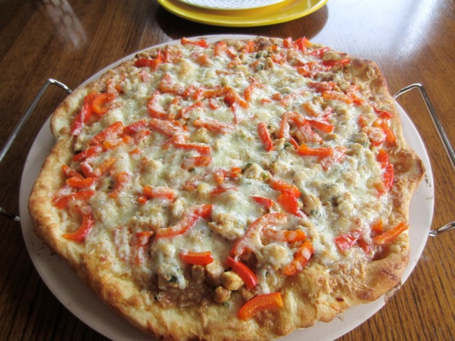 Thai Chicken Pizza myfavouritepastime.com_2786
