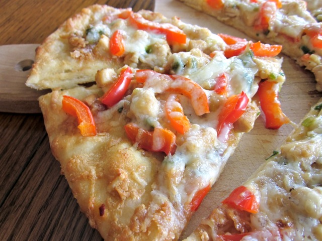 Thai Chicken Pizza myfavouritepastime.com_3860