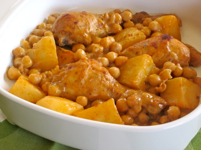 Roasted Chicken with Potatoes and Chickpeas myfavouritepastime.com_5668