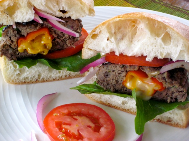 Cheese and Pepper Stuffed Burgers myfavouritepastime.com_3821