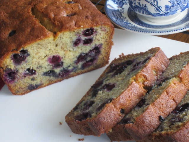Blueberry Banana Bread myfavouritepastime.com_3354