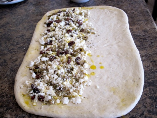 Feta and Olive Pull-Apart Bread myfavouritepastime.com_5714
