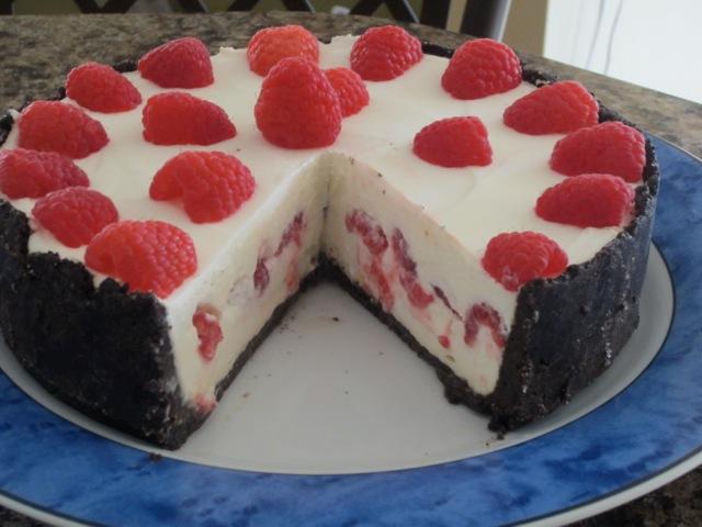 No-Bake Cheese Cake with Strawberries myfavouritepastime.com_3517