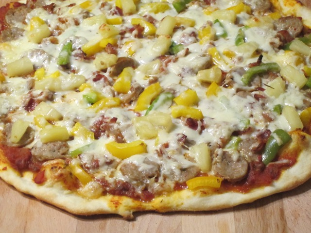 Bacon, Sausage, Pineapple & Pepper Pizza_4707