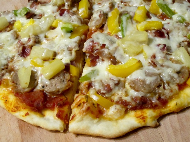 Bacon, Sausage, Pineapple & Pepper Pizza_4711