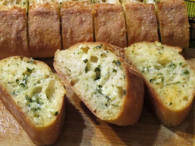 Garlic Bread myfavouritepastime.com