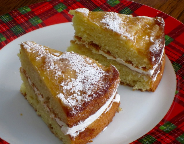 Apple Cake With Cream Filling