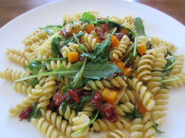Pasta with Capsicum, Arugula and Sun-dried Tomato myfavouritepastime.com