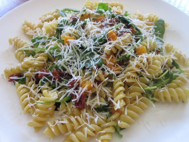 Pasta with Capsicum, Arugula and Sun-dried Tomato myfavouritepastime.com