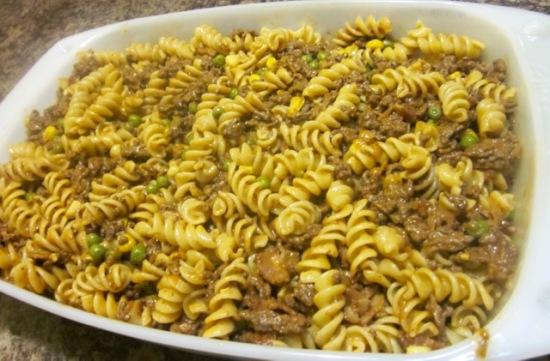 Pasta and beef casserole myfavouritepastime.com