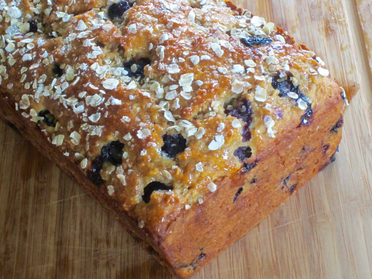 Blueberry Honey and Oatmeal Bread