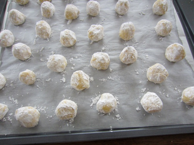 Easy Lime Crinkle Cookies myfavouritepastime.com