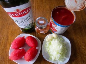 Tagliatelle with Zucchini Mushroom and Capsicum myfavouritepastime.com
