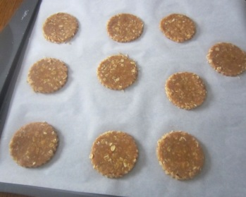 Crunchy Peanut Butter Cookies myfavouritepastime.com