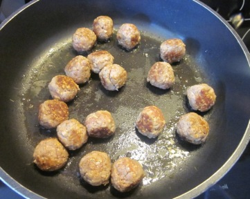 Meatballs in Creamy Oregano Sauce myfavouritepastime.com