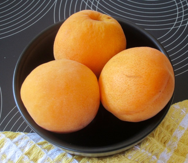 What is an Apricot? myfavouritepastime.com